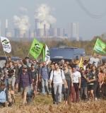 """06.10.2018, im Hambacher Wald, Buir, Nordrhein-Westfalen: Demo """"Wald retten - Kohle stoppen!"""".Foto: Georg Wendt/BUND"""